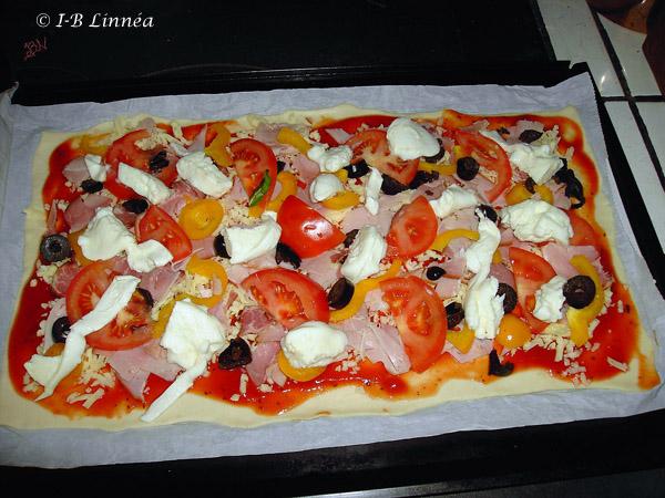 Preparerar Pizza